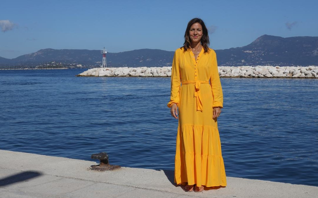 The Greek Islands With Julia Bradbury
